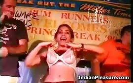 Desi Indian Ladki KI Chut Ka Show